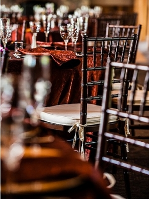 Copper Iridescent Crush Linen, Fruitwood Chiavari Chairs